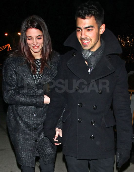 Pictures of Ashley Greene and Joe Jonas Holding Hands in NYC