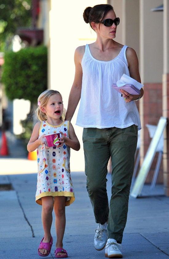 Pictures of Jennifer and Violet