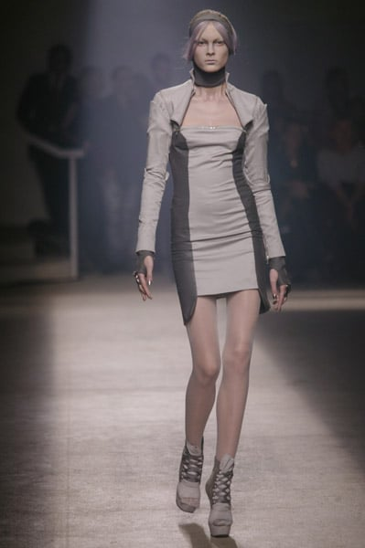 Photos of Gareth Pugh Spring 2010 at Paris Fashion Week ...