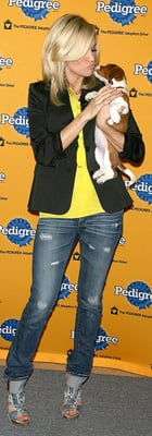 Carrie Underwood at 6th Annual Pedigree Adoption Drive