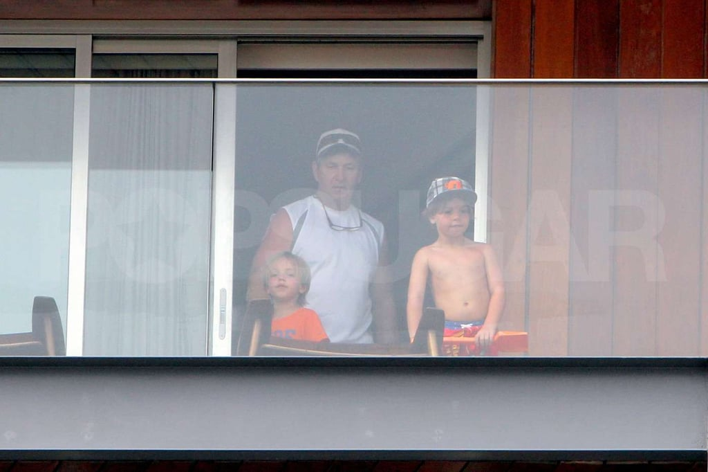 Jamie Spears brought his grandkids, Sean Preston and Jayden James Federline onto their balcony in Brazil.