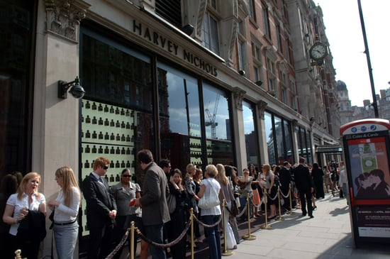 How long do you wait in sample sale queues?