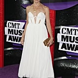 A deconstructed sweetheart neckline stood out on Sheryl Crow's strapless white dress.