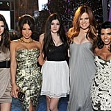 Khloe Kardashian Debuts New Red Hair Alongside Sexy Kim and Kourtney at People's Choice Awards!