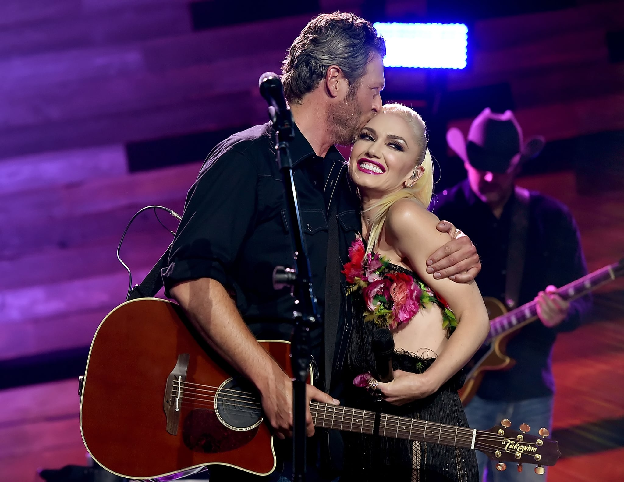 BURBANK, CA - MAY 09:  Singers Blake Shelton (L) and Gwen Stefani perform on the Honda Stage at the iHeartRadio Theatre on May 9, 2016 in Burbank, California.  (Photo by Kevin Winter/Getty Images for iHeartMedia)