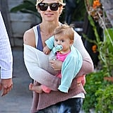 Elsa Pataky carried India in LA during a grocery stop.