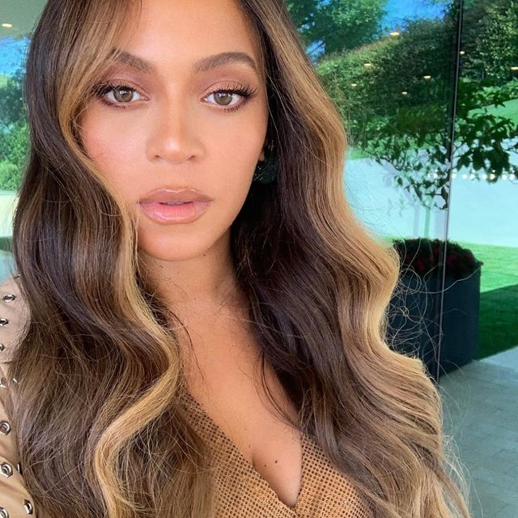 Beyonce's Hair Color With Money Piece Highlights