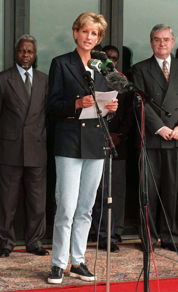 While making a speech in Angola, Diana styled a pair of light blue jeans with a double-breasted blazer and her Superga sneakers.