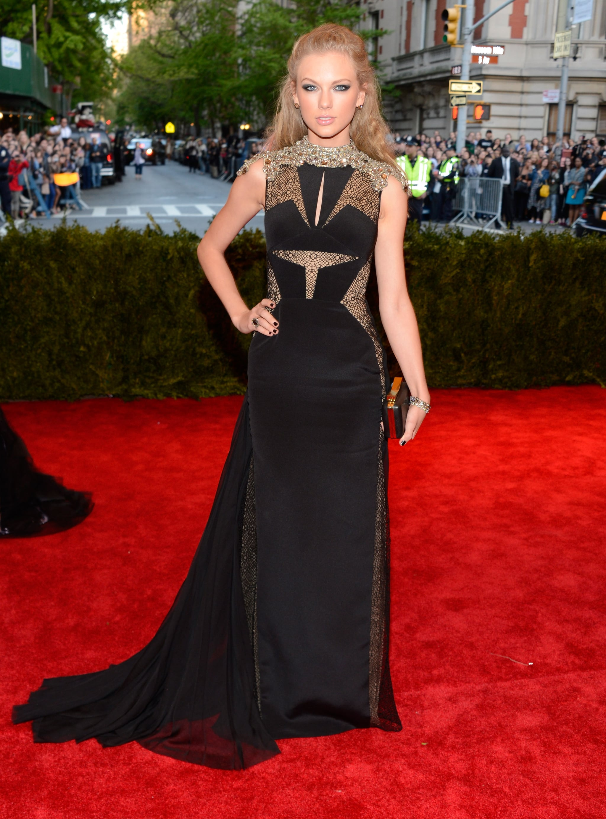 Taylor Swift At The Met Gala 2013 Taylor Swift Punks It Up For The Met Gala Popsugar Celebrity Photo 10