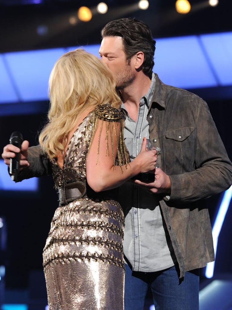 Miranda Lambert and Blake Shelton Kissing | Pictures