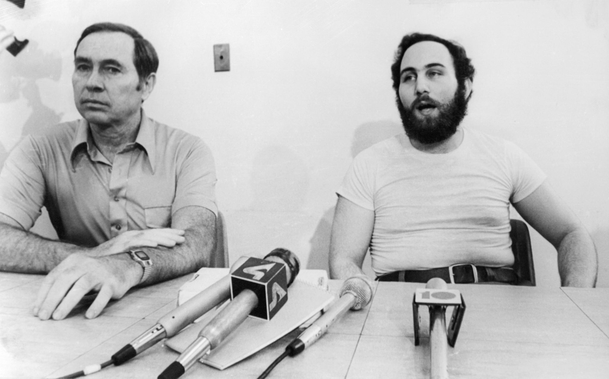 (Original Caption) David Berkowitz (right), the convicted