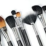 Reinigt eure Makeup-Pinsel und Bürsten