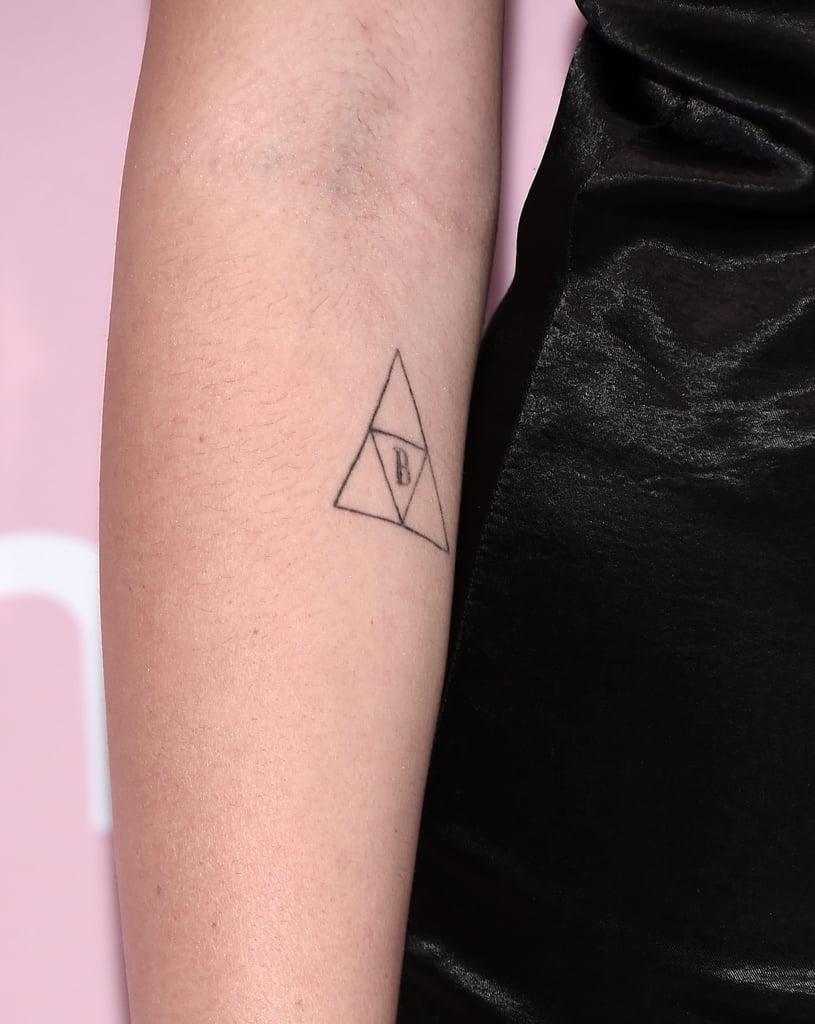 Noah Cyrus's Triforce Symbol Tattoo