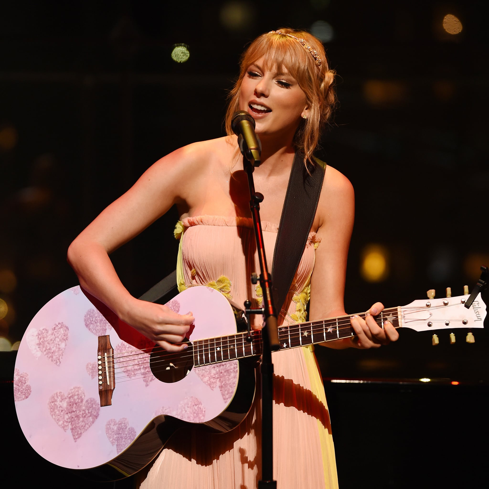 check out 31934 cf36d Taylor Swift's 2019 Time 100 Gala Performance Video ...