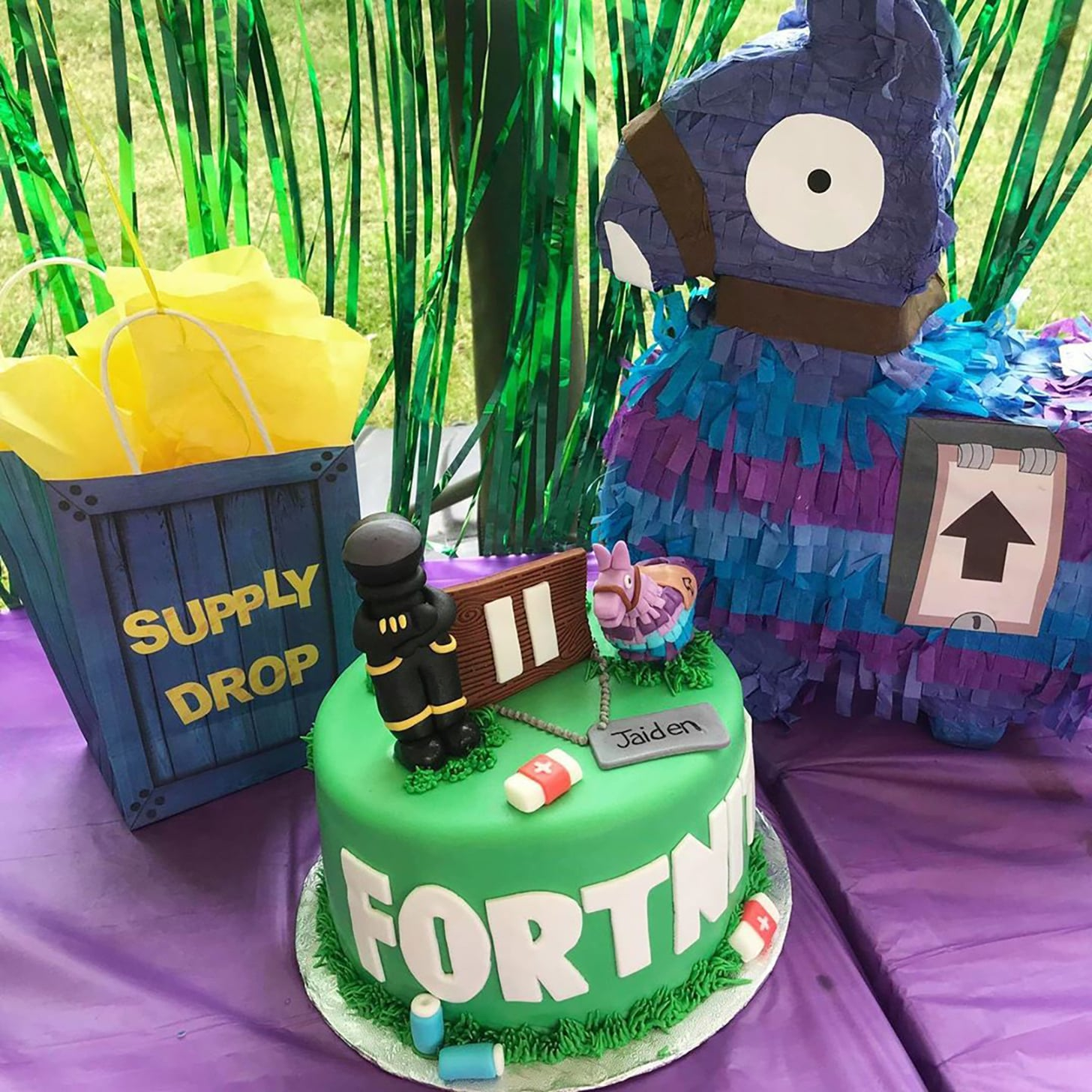Fortnite Birthday Party Ideas For Tweens And Teens Popsugar Family