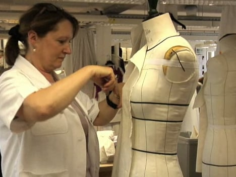 FABTV: The Making of Chanel Haute Couture, Look 39