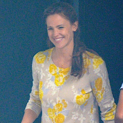 Jennifer Garner Smiling on Set in Atlanta | July 2015