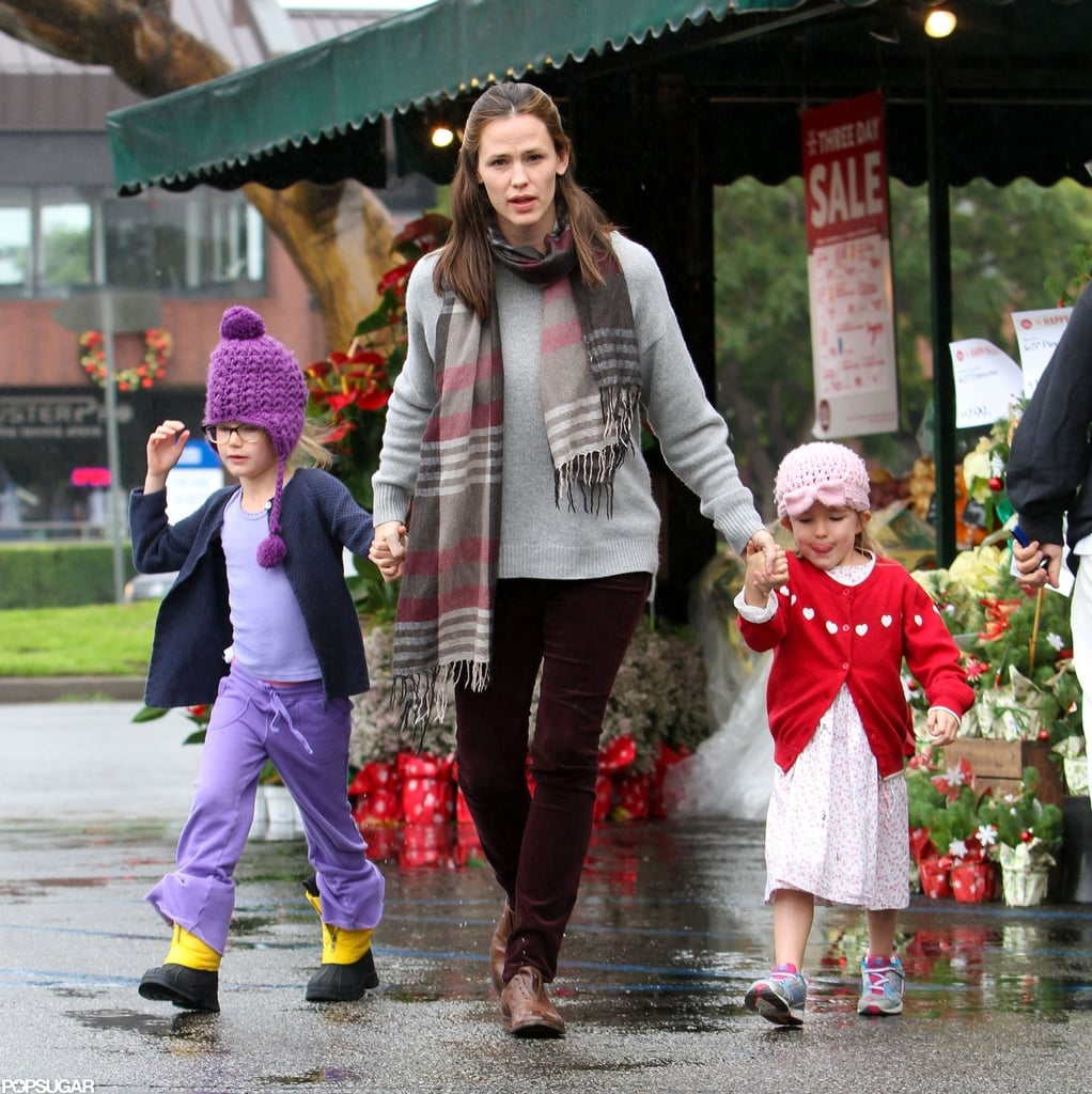 Ben and Jen Have Some Family Fun on a Rainy Day With Violet and Sera