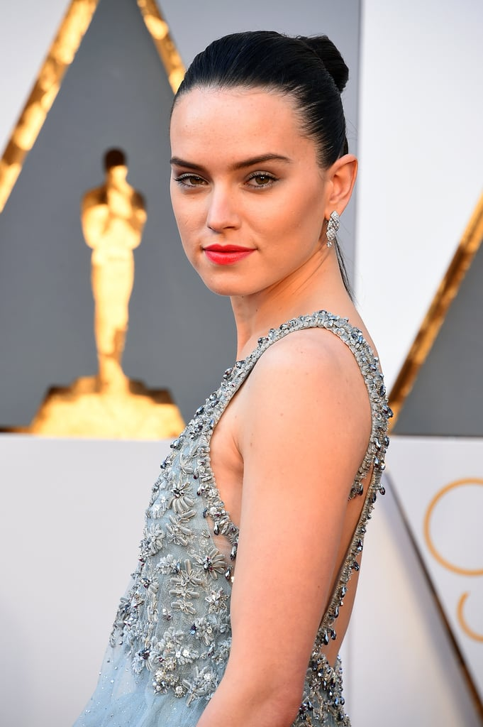 Daisy Ridley Star Wars Hair at Oscars 2016