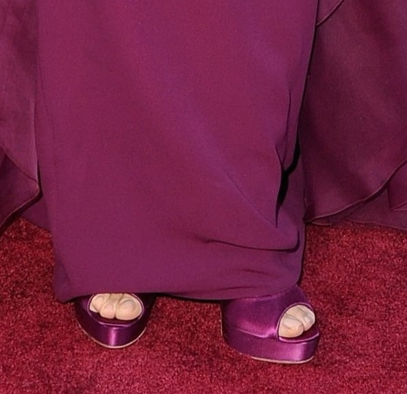 Speaking of coordinating on the red carpet, Jennifer Garner matched her violet Gucci gown with purple satin peep-toe Brian Atwood pumps.