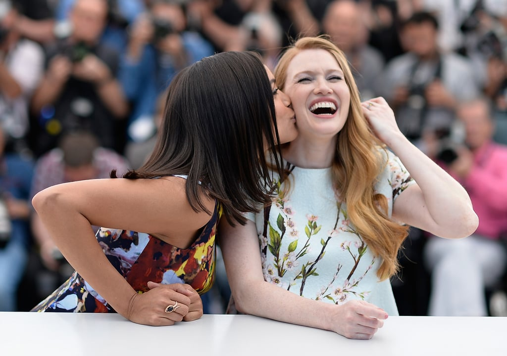 Rosario Dawson kissed her Captive costar Mireille Enos.