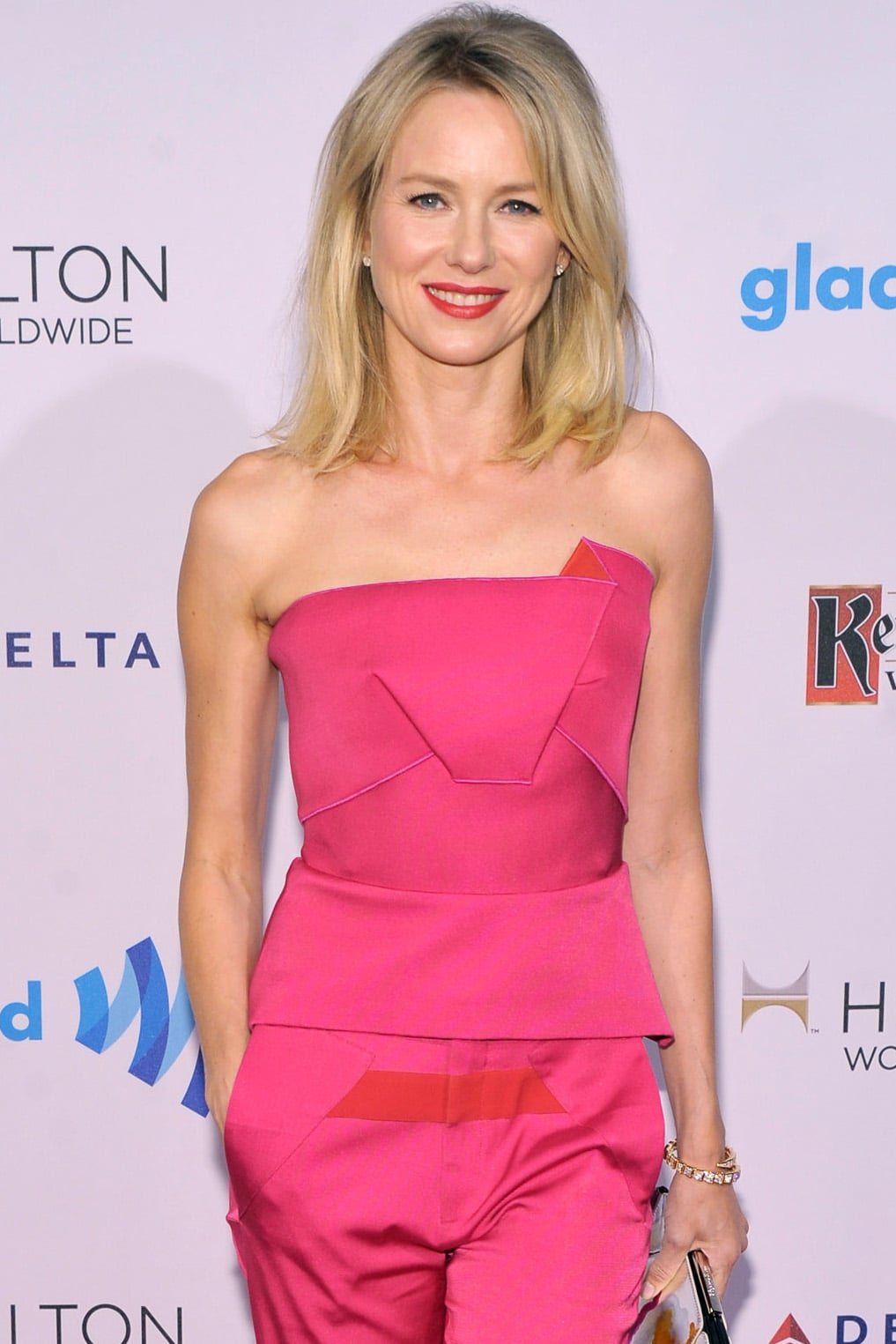 Naomi Watts has signed on for the Divergent sequel, Insurgent, plus the two Allegiant films. She'll play Evelyn, the leader of the Factionless. Check out the full cast of Insurgent!