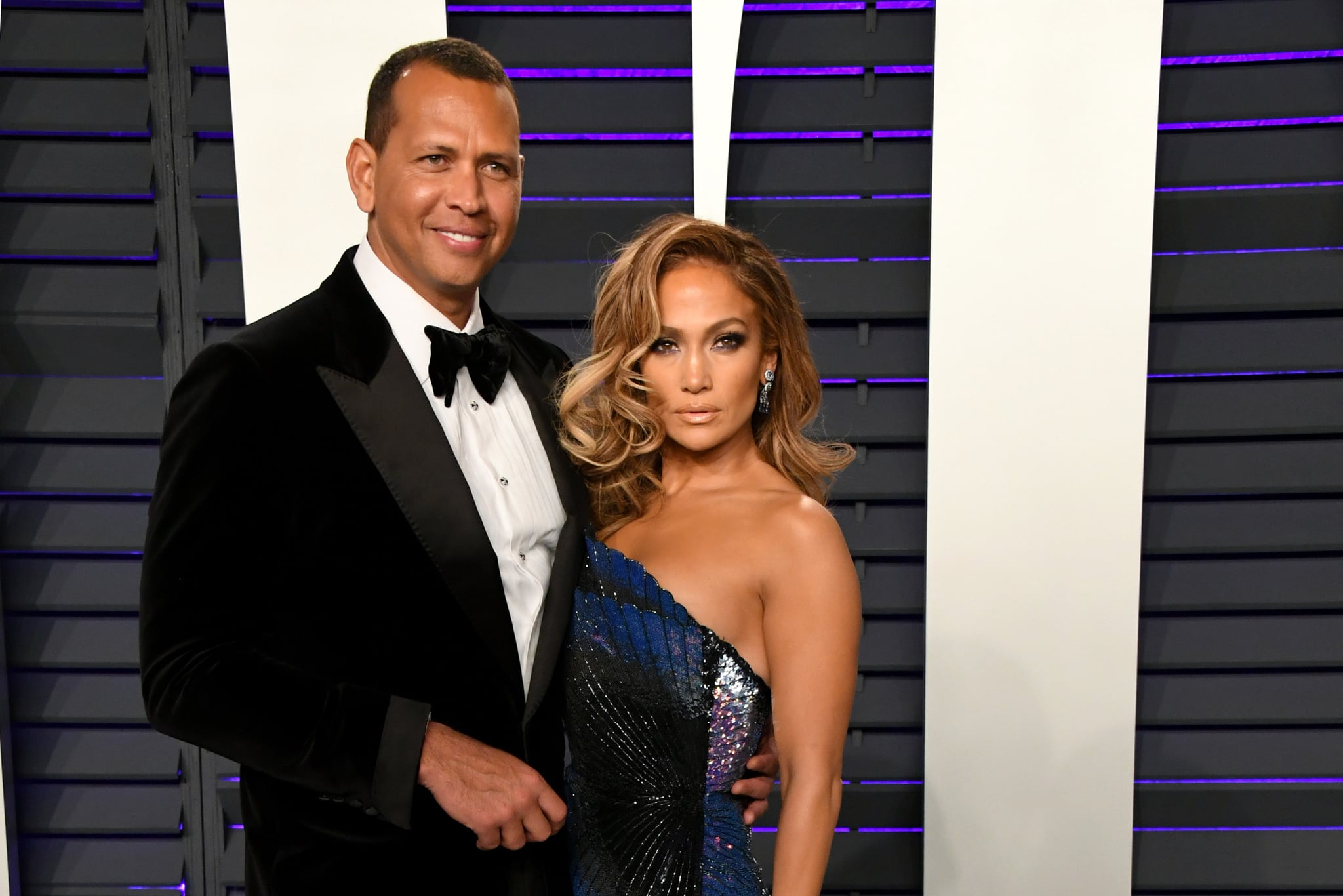 BEVERLY HILLS, CA - FEBRUARY 24:  (L-R) Alex Rodriguez and Jennifer Lopez attend the 2019 Vanity Fair Oscar Party hosted by Radhika Jones at Wallis Annenberg Centre for the Performing Arts on February 24, 2019 in Beverly Hills, California.  (Photo by Jon Kopaloff/WireImage)