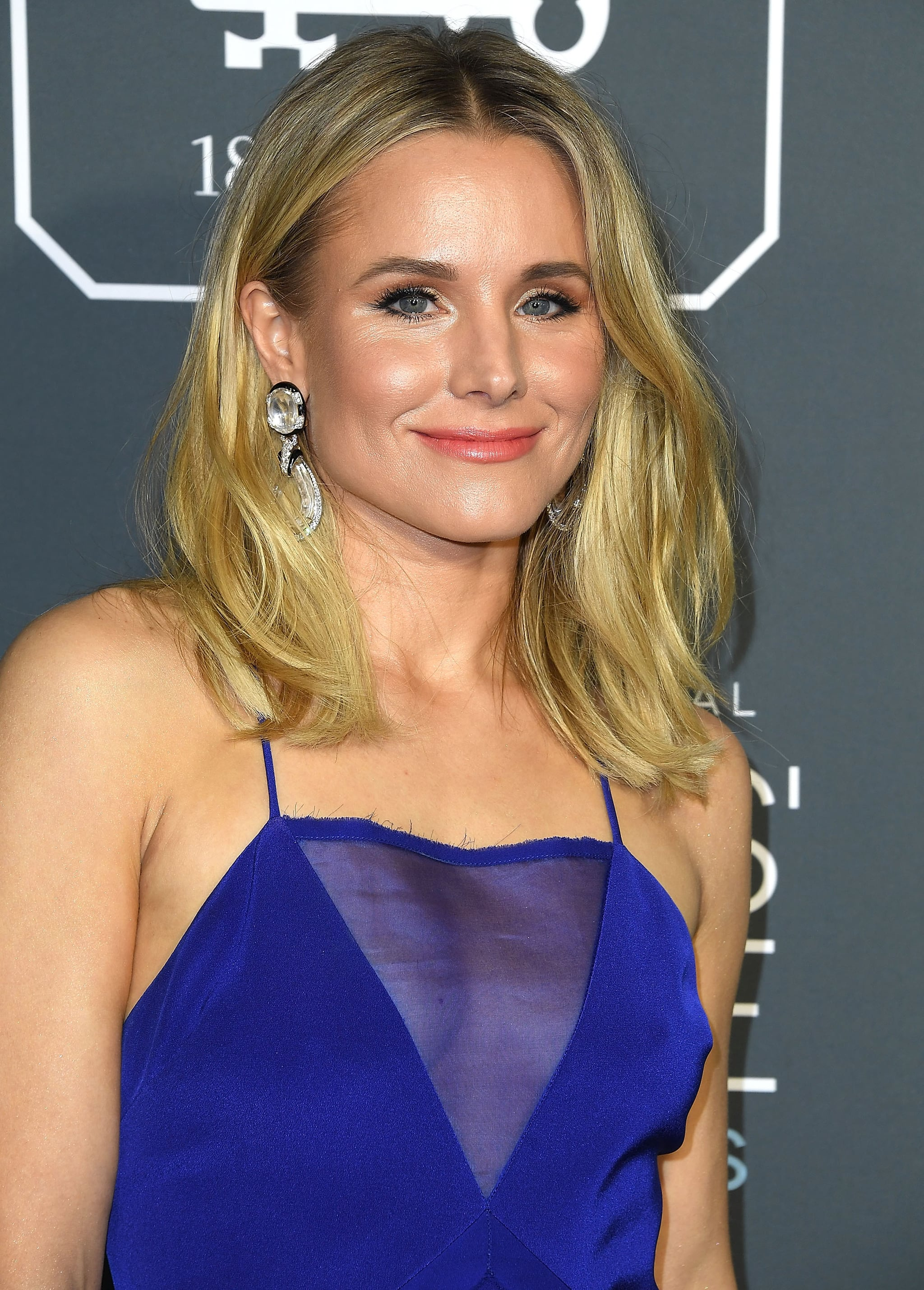 SANTA MONICA, CA - JANUARY 13:  Kristen Bell arrives at the The 24th Annual Critics' Choice Awards  attends The 24th Annual Critics' Choice Awards at Barker Hangar on January 13, 2019 in Santa Monica, California.  (Photo by Steve Granitz/WireImage)