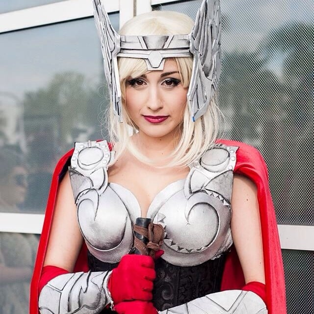 Cosplayer Lori Bloom is rocking some seriously amazing silver eye shadow.