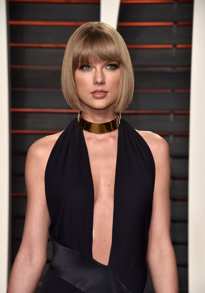 Have an LBD that needs some spicing up? Take cues from Taylor Swift and add a thick gold choker for that much-needed oomph.