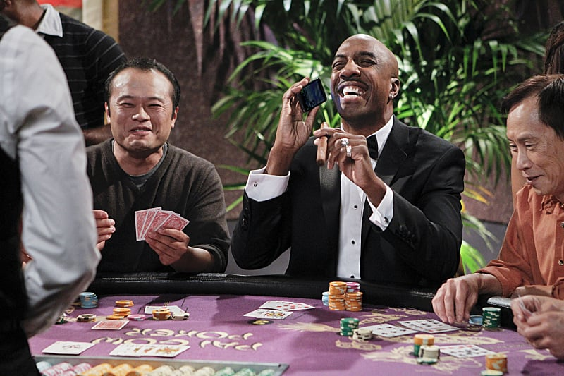 The Millers Ray (JB Smoove) hits the tables.