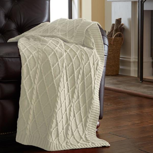 MODERN THREADS Antique White Throw Blanket