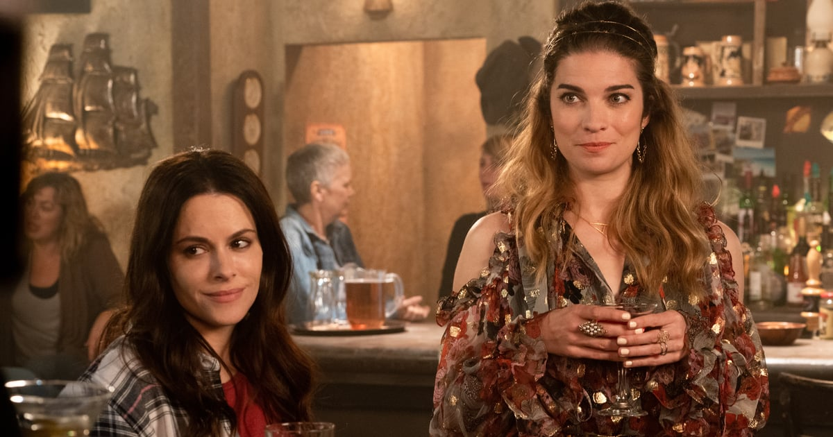 We Need To Talk About Alexis S Decision To Stay Single At The End Of Schitt S Creek 🇨🇦   where everyone fits in. stay single at the end of schitt s creek