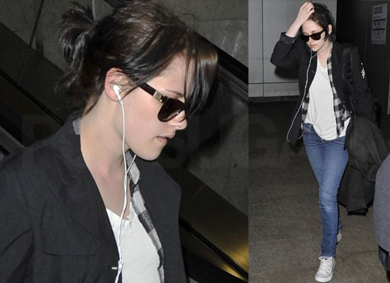 Photos of Kristen Stewart at LAX After The Runaways at SXSW, Robert Pattinson Thinks He Looks Like a Transvestite in Twilight