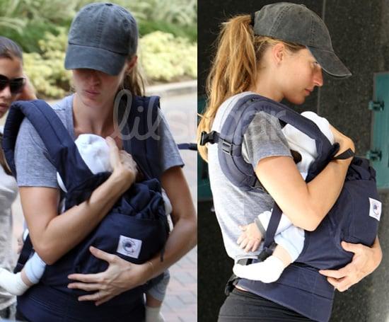 Photos: Gisele Bundchen's Ergo Baby Carrier 2010-03-23 10:30:52