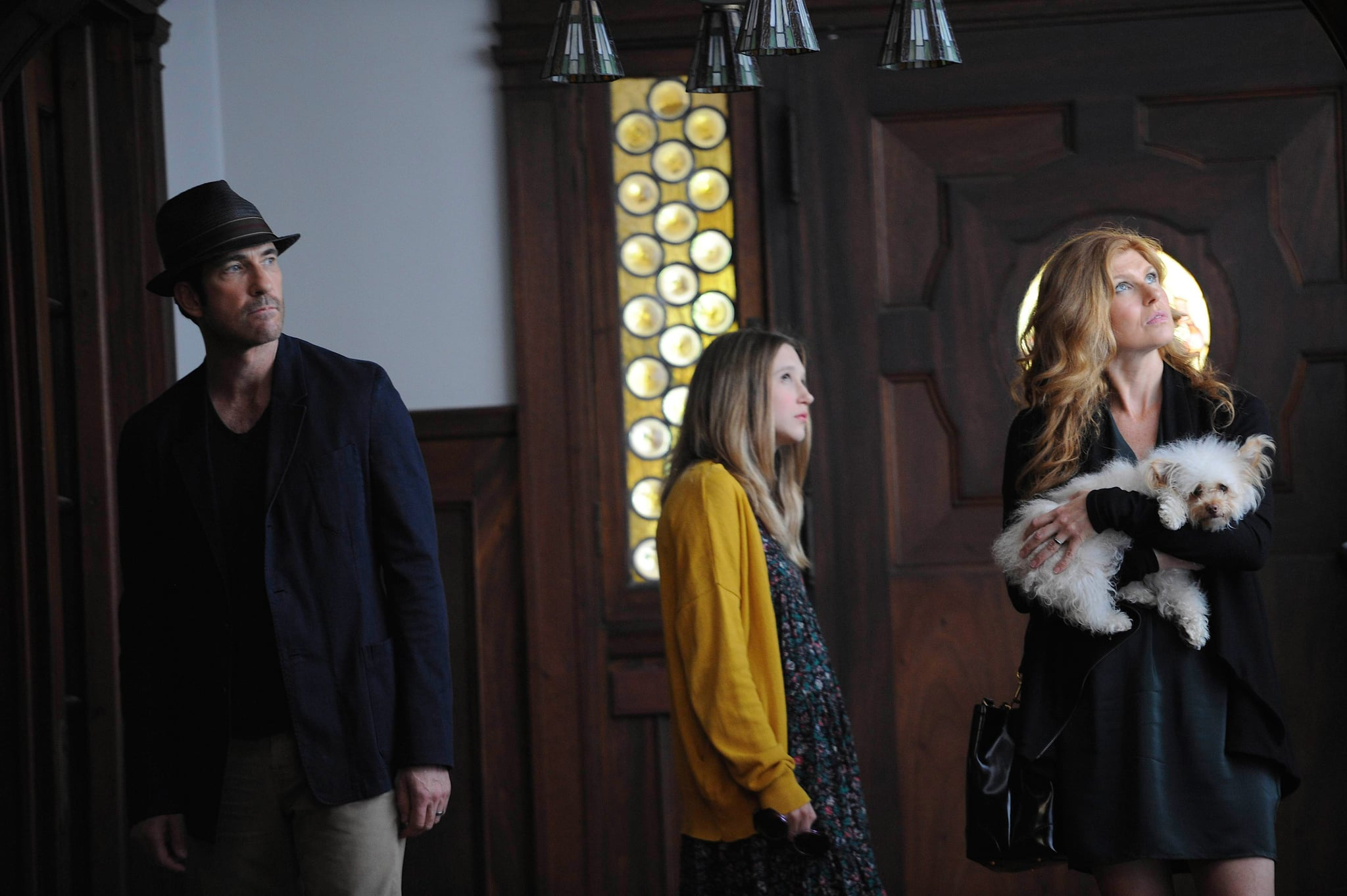 AMERICAN HORROR STORY: MURDER HOUSE, (from left): Dylan McDermott, Taissa Farmiga, Connie Britton, 'Pilot', (Season 1, ep. 101, aired Oct. 5, 2011), 2011-. photo: Robert Zuckerman /  FX Network / Courtesy: Everett Collection
