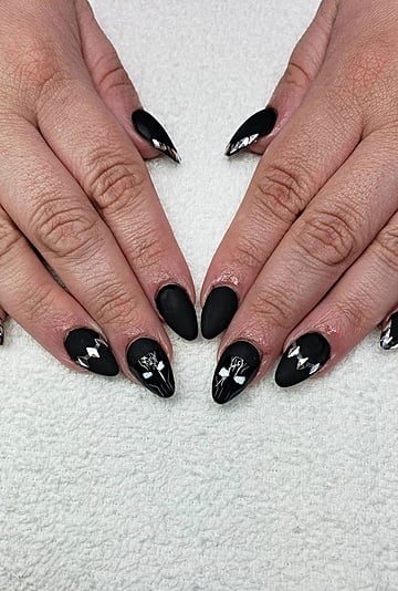 Black Panther Nail Art Tributes and Photos