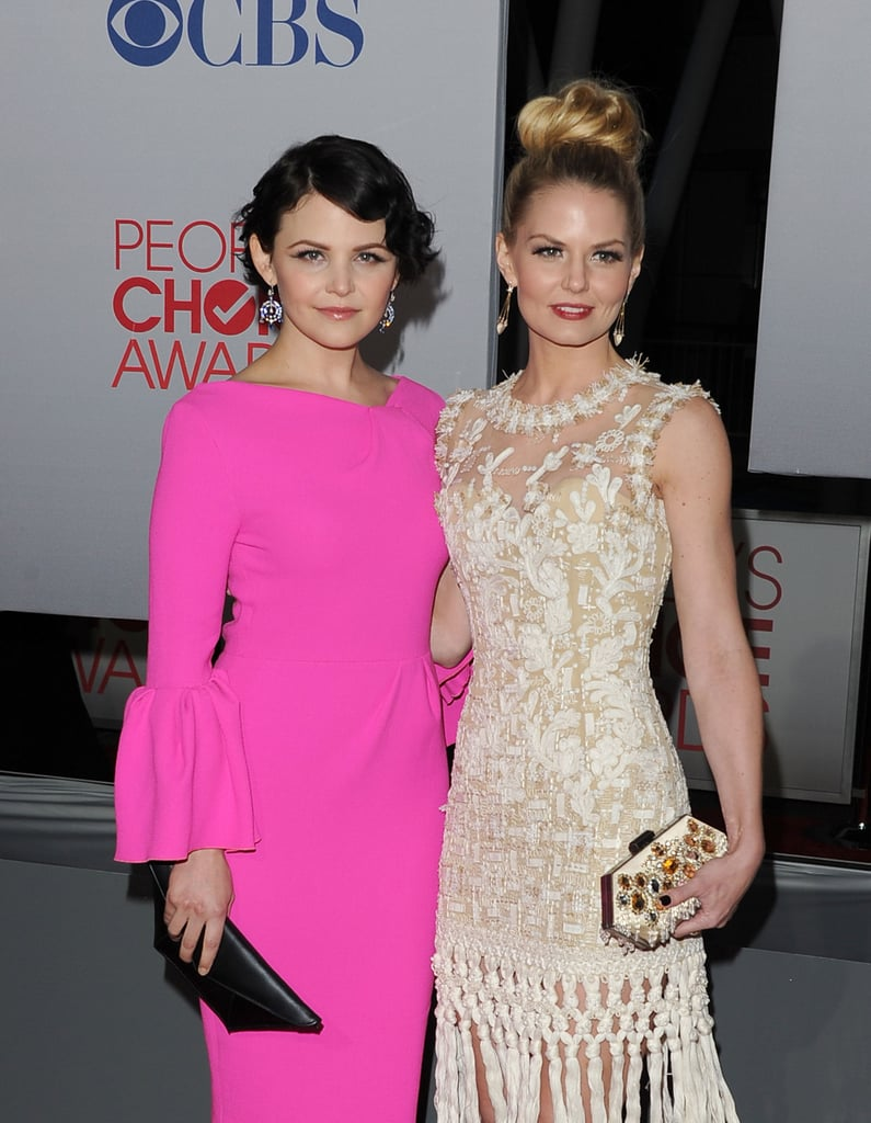 Once Upon a Time costars Jennifer Morrison and Ginnifer Goodwin got glam for the People's Choice Awards.