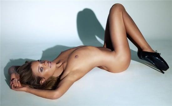 Natalia Vodianova does vogue UK june 09