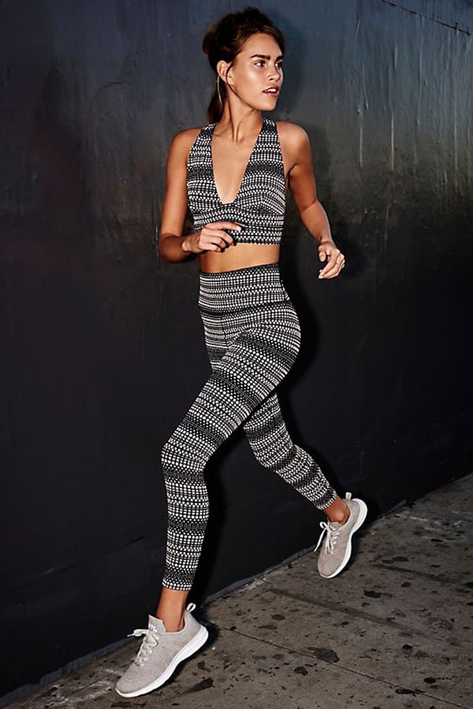 These Workout Leggings With Hidden Pockets Are the Best Invention Ever