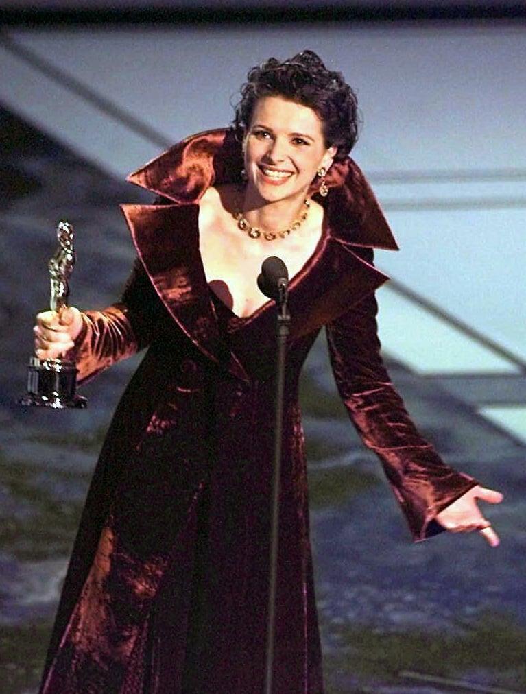 Juliette Binoche Dressed Like a Velvet Vampire