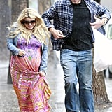 Jessica Simpson and Eric Johnson Make a Run For It in the Rain