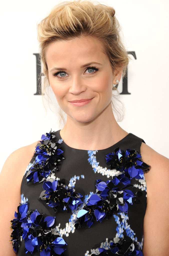 Reese Witherspoon Lights Up the Blue Carpet