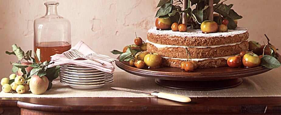 Proof Martha Stewart Has Always Been Way Ahead of Wedding Cake Trends
