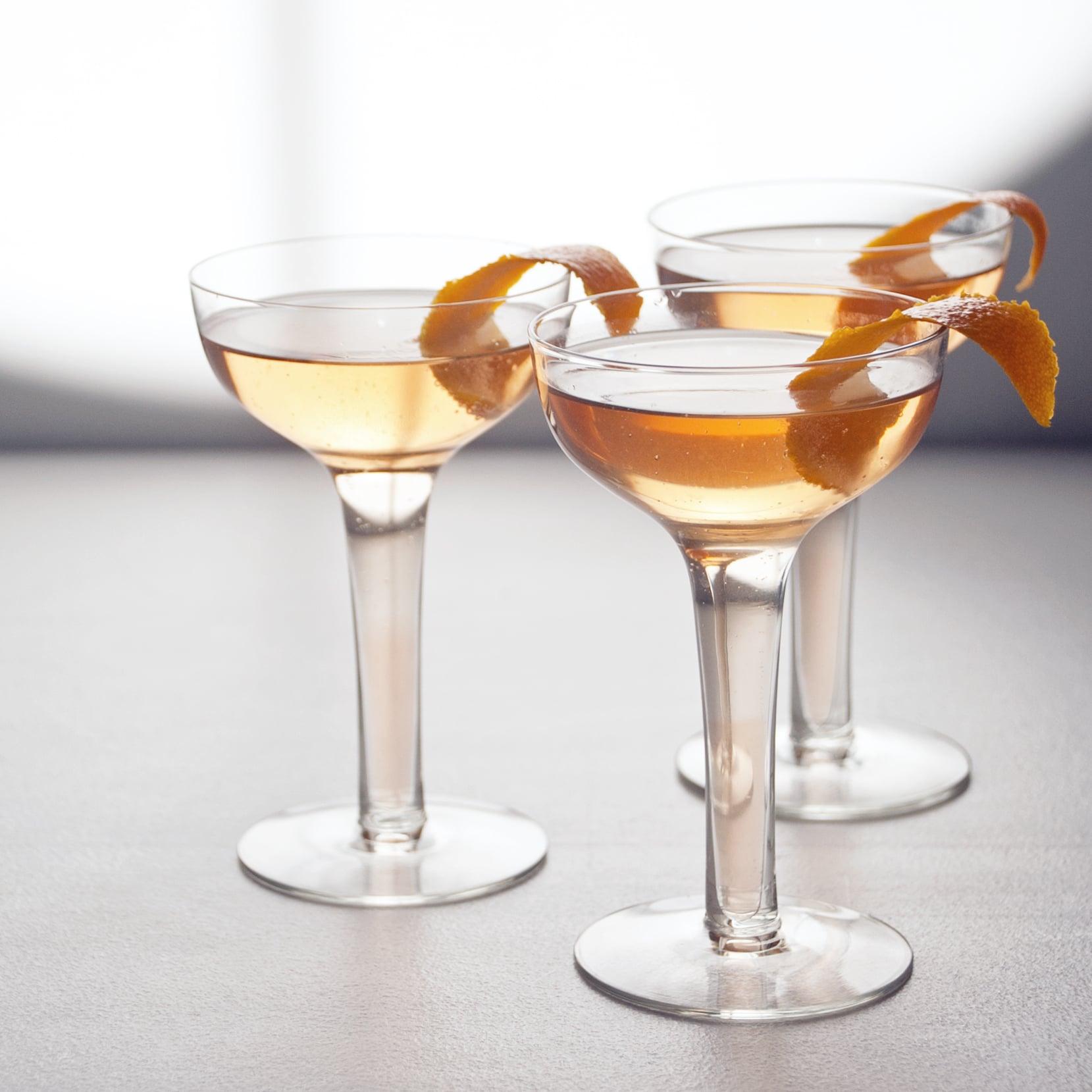 Sparkling lillet and grapefruit cocktail 13 sparkling for Cocktail lillet