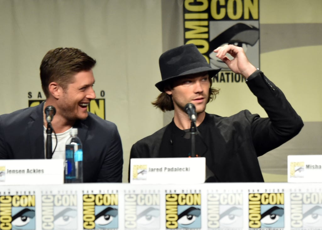 Jensen Ackles couldn't help but laugh during the Supernatural panel with his bud Jared Padalecki on Sunday.