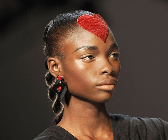 Pictures of the Craziest Hair and Makeup at Spring 2010 Fashion Week 2009-10-09 04:00:01