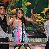 The Jonas Brothers Presenting With Miley Cyrus at the Teen Choice Awards in 2007
