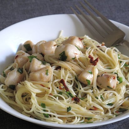 Spicy Scallops With Cappelini