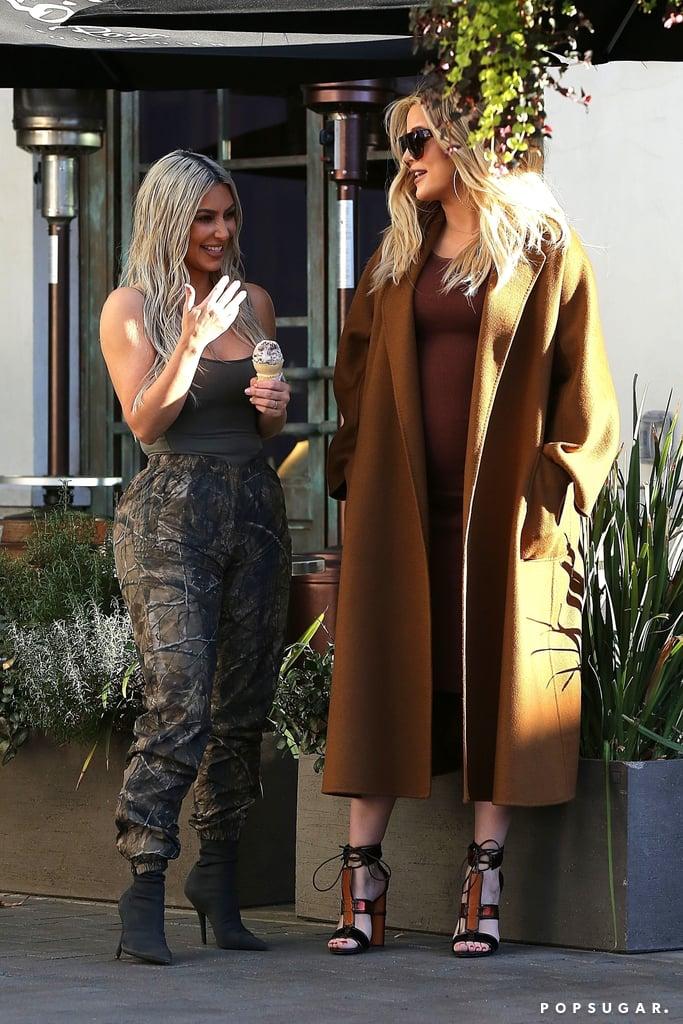 kim kourtney and khloe kardashian flash mob pictures